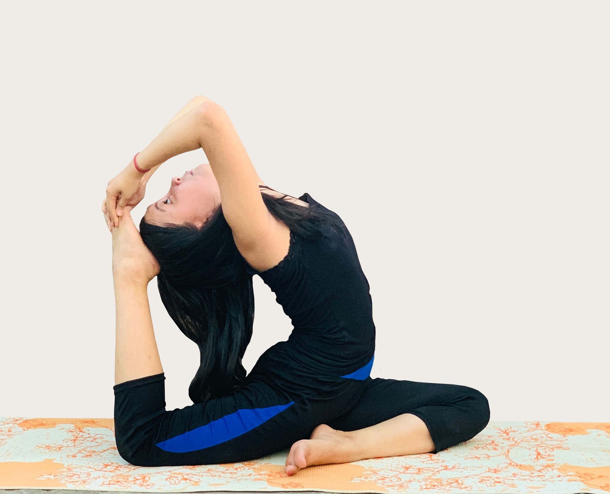 how to do one legged king pigeon pose  goGlides