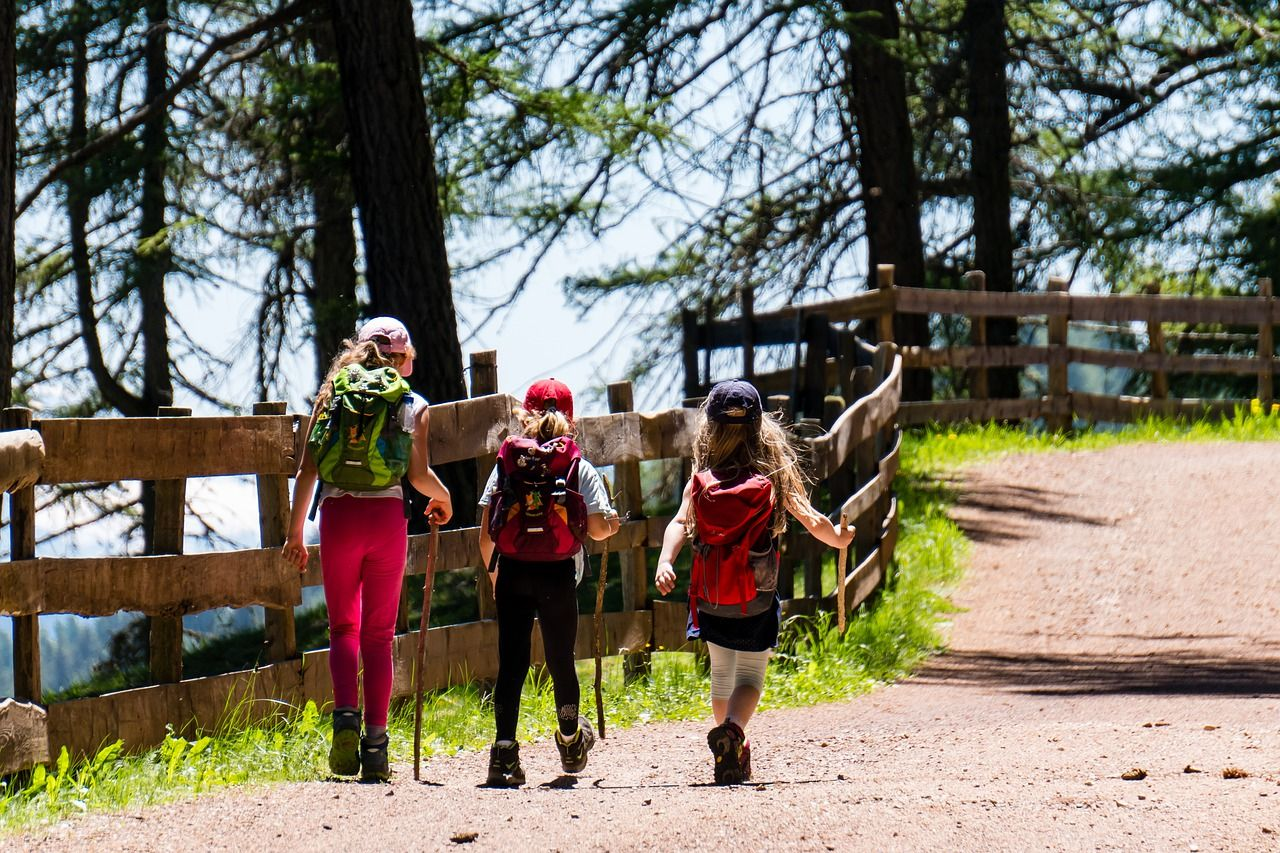 9 tips for taking your children hiking