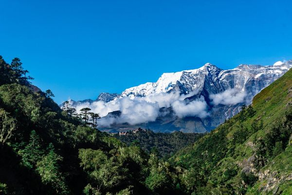 The Pros and Cons of Visiting Nepal